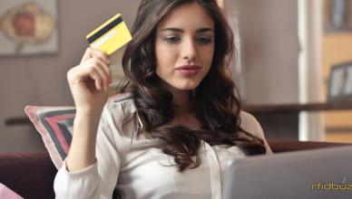 featuredimage The Advantages and Disadvantages of Cashless Payments 388x220 - The Advantages and Disadvantages of Cashless Payments