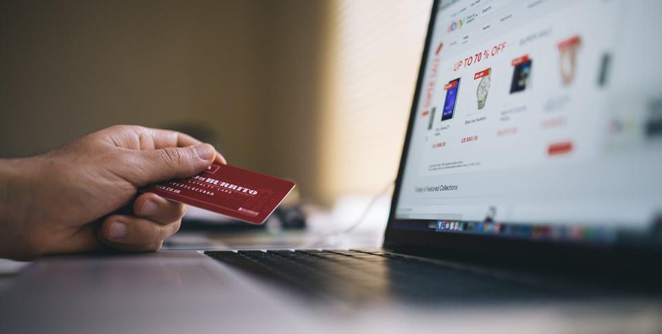 postpage The Advantages and Disadvantages of Cashless Payments THE ADVANTAGES OF CASHLESS PAYMENTS - The Advantages and Disadvantages of Cashless Payments